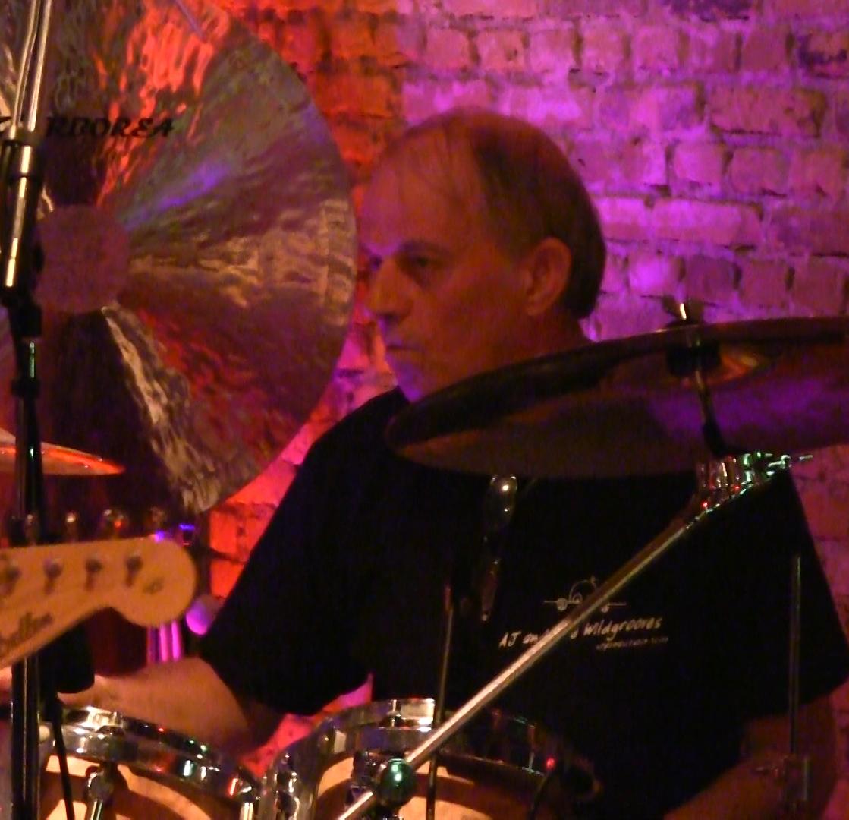 Peter (Drums)